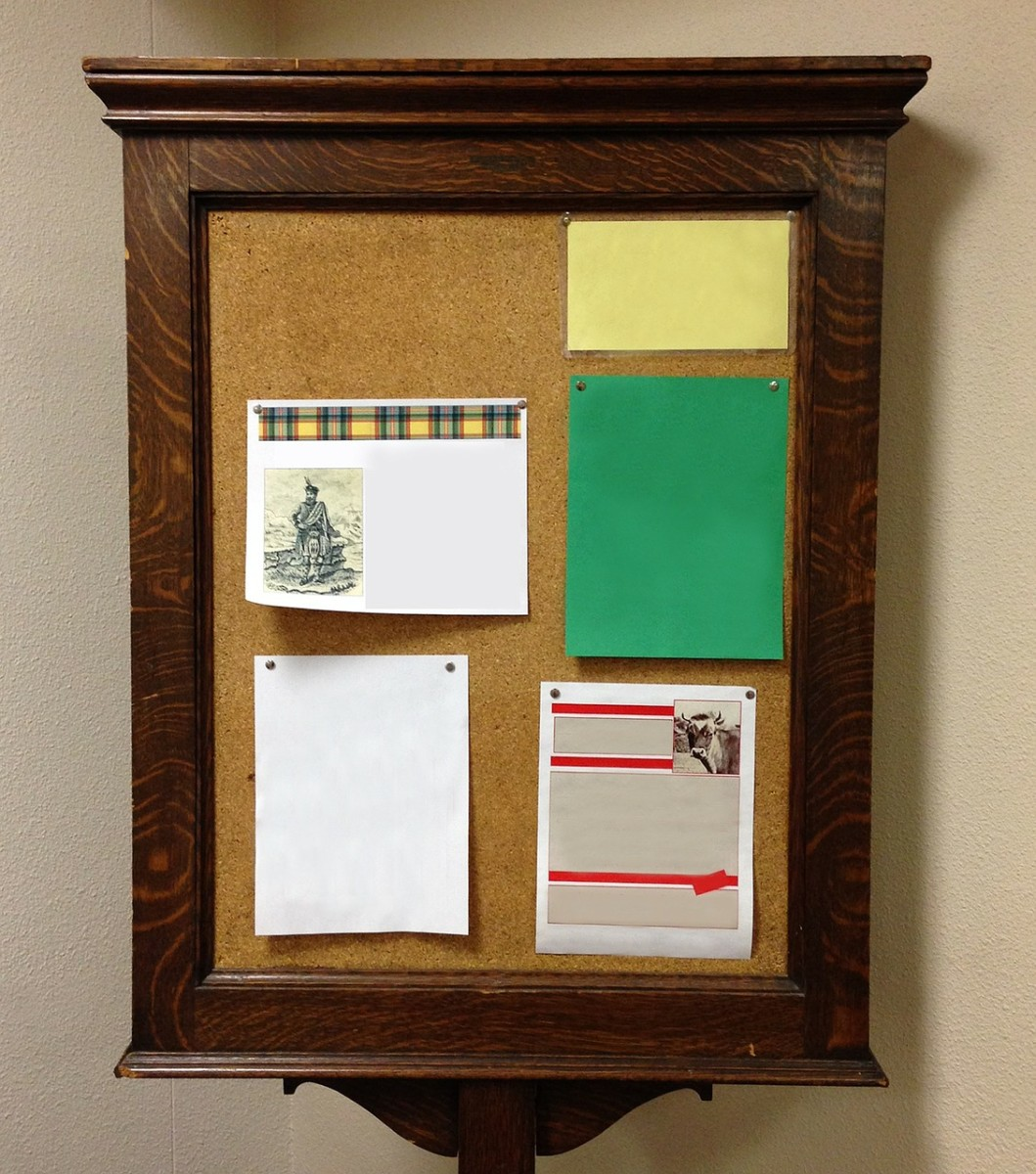 Decluttering your pin board and sorting through out-dated messages and clippings is an easy and satisfying organizing project you can finish in 20 minutes.