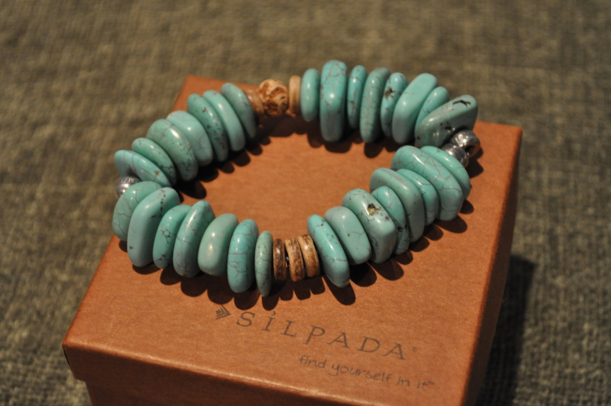 This Silpada bracelet photo was used to sell this used bracelet on Ebay. The teen photographer earned a percentage of the sale.