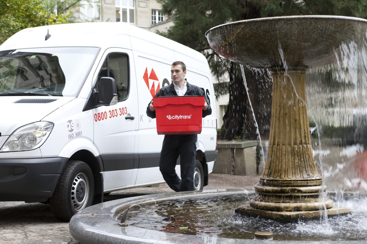 6 Reasons Courier Services Save Money