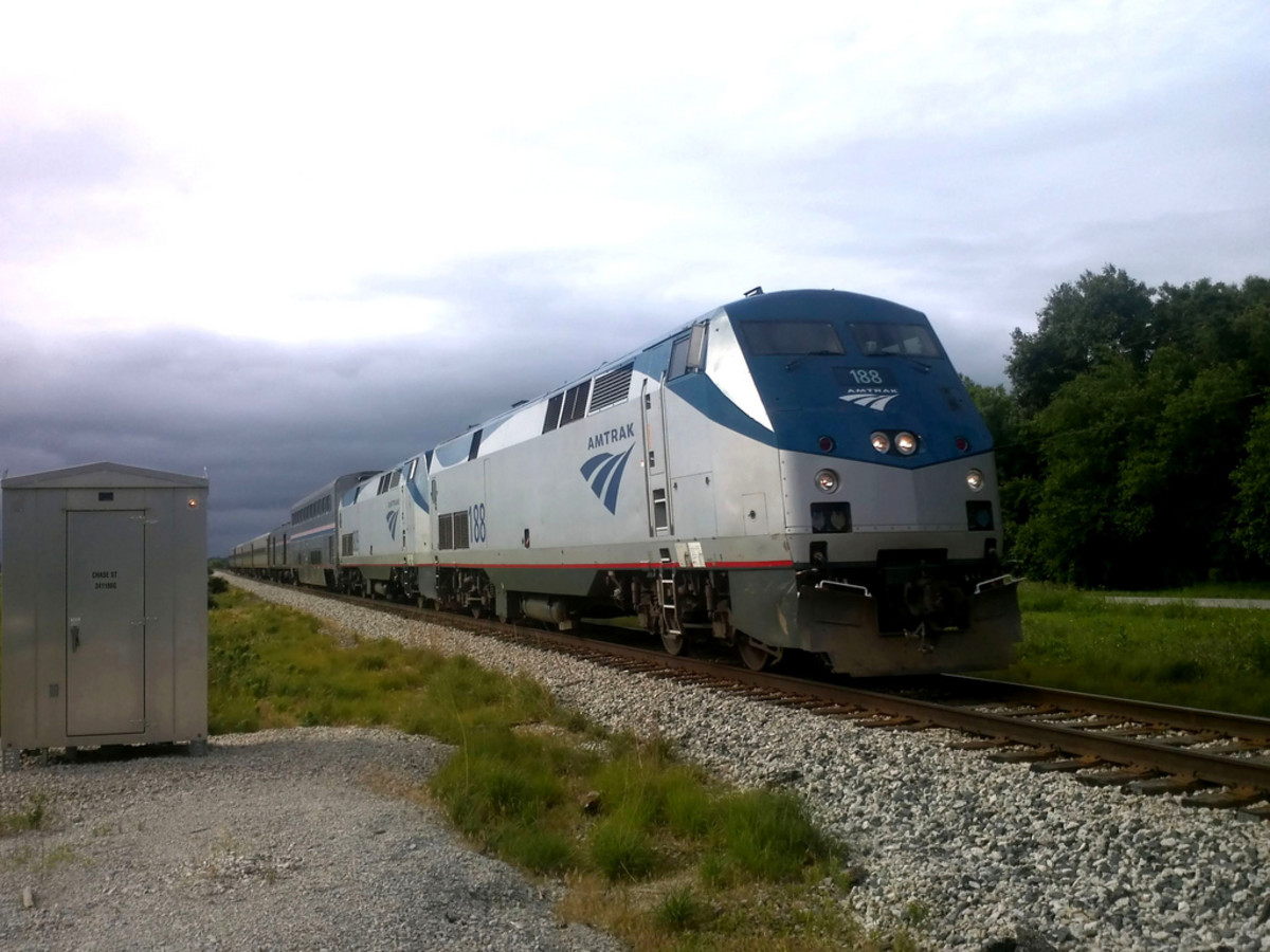 Greyhound Shipping Quote >> Moving Cross Country Cheaply With Amtrak Express Shipping