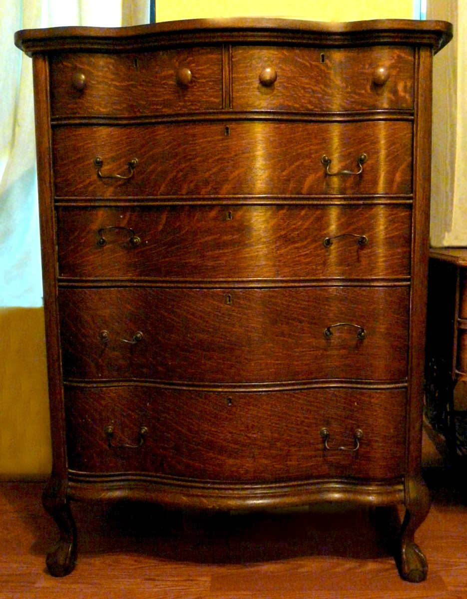 美丽的橡木高伯梳妆台被发现二手