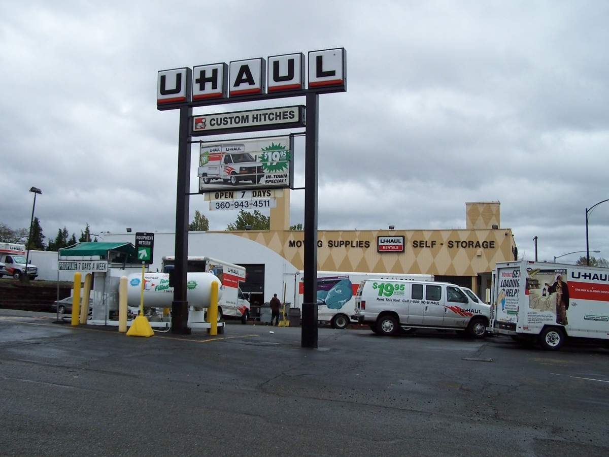 A corporate UHaul center