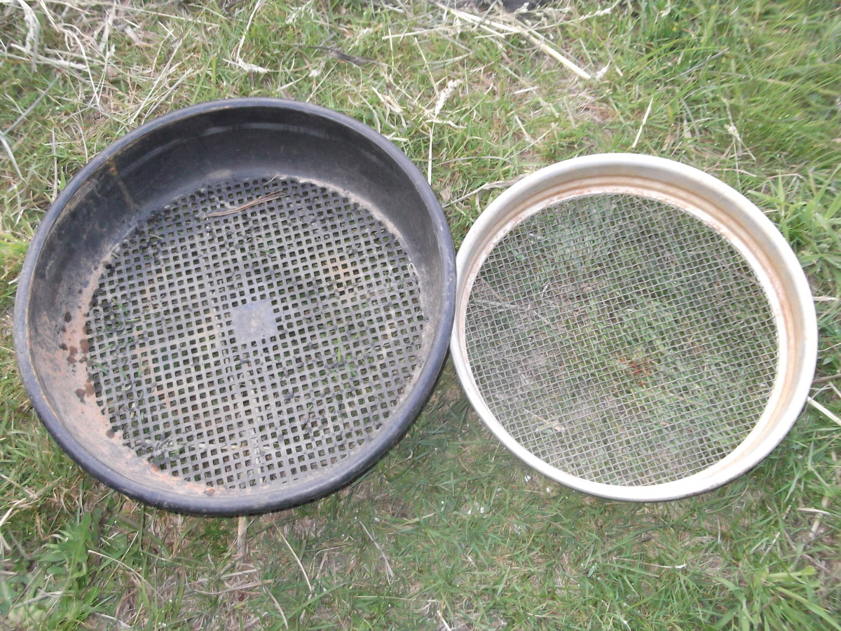 Our first sieve purchase was metal. We quickly bought a plastic one because it won't set off a metal detector if we choose to scan its contents.