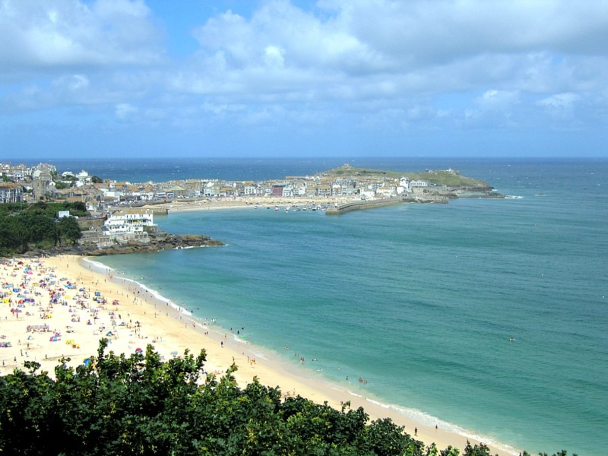 St Ives has been a popular fishing port since Medieval times, and in the modern day, it is also a hub for artists and galleries.