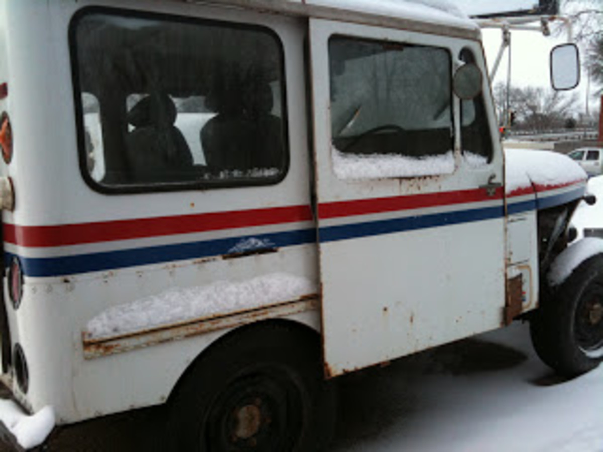 This was the first Postal Vehicle I drove in 1993.  In the pre-Amazon era, all of the mail used to actually fit into one of these.