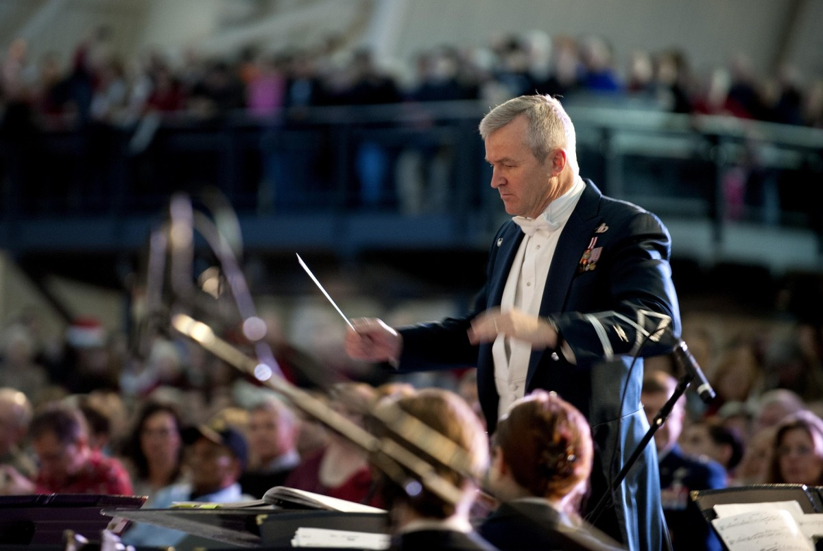 Unless you are conducting an orchestra while giving your speech, put the pointer down when you are not using it.