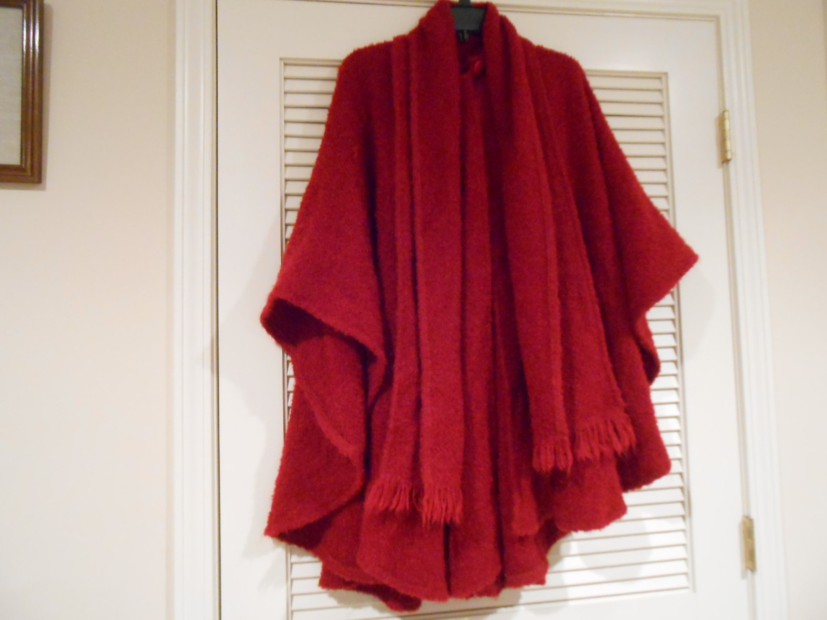Branigan Weavers Cape, Made in Ireland. Goodwill price was $13.96 and bought on a discount day for $10.48. This cape would run anywhere from $160 to $300 if purchased in Ireland.
