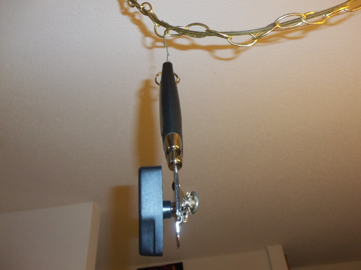 You can hang the chain straight down or curve it like this one.