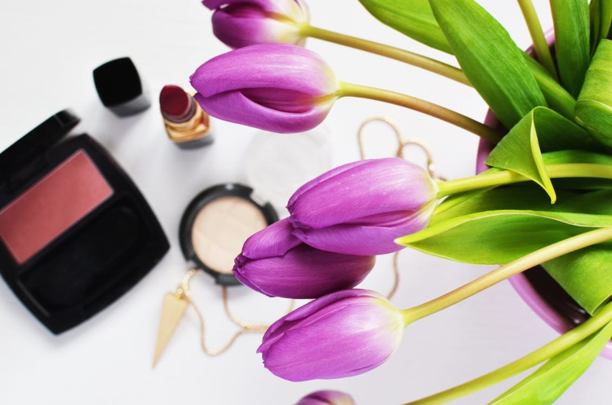 One of the many perks to being an Independent Avon Sales Representative is the great discounts on our products.