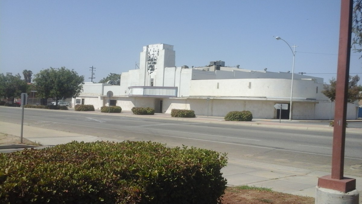 the art deco era theatre where Haggard once sang