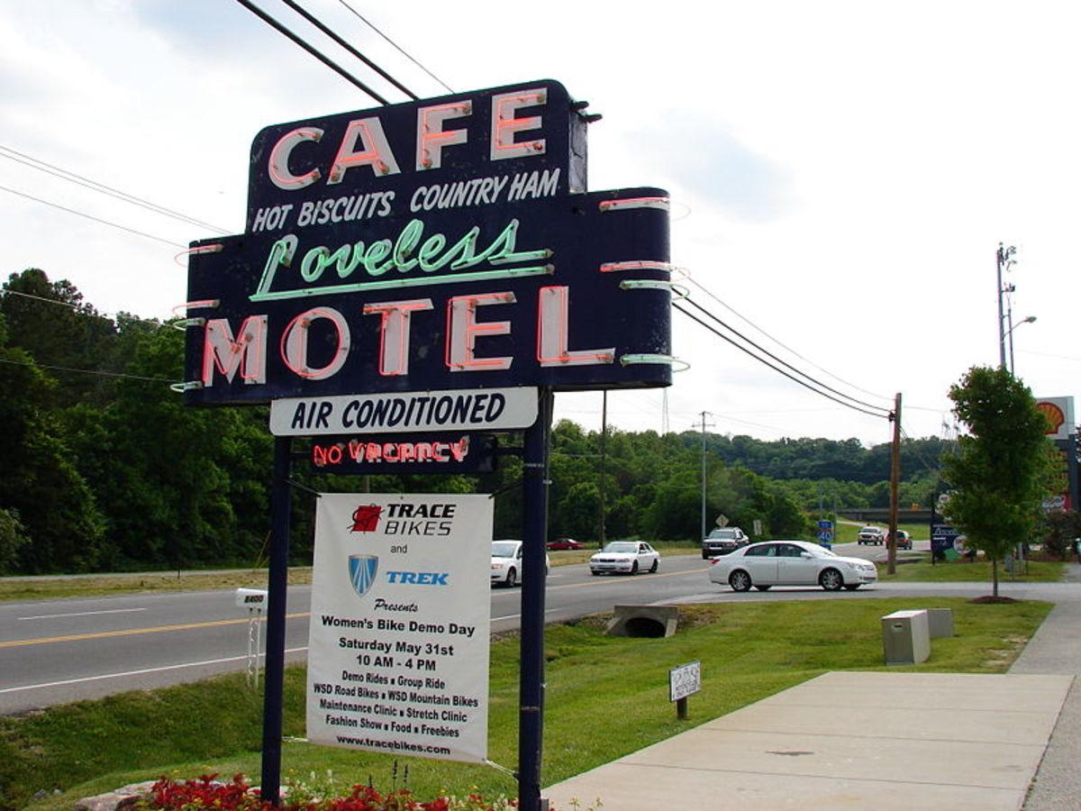 Loveless Cafe Motel Sign