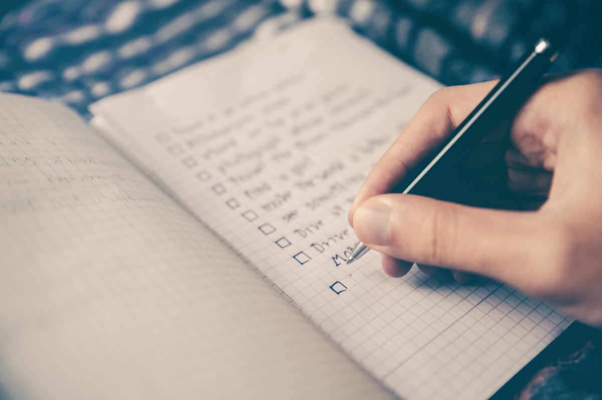Each week I evaluate how many articles I can realistically write that week and set goals from there.