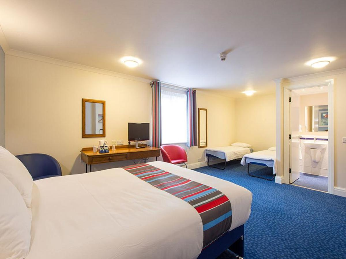Travelodge's family room