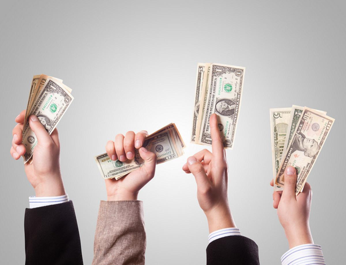 金钱,就像良好的信誉,可能很难来。