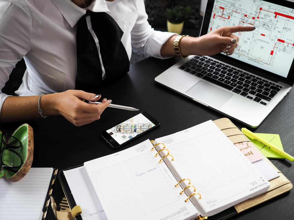 早期与您的经理讨论您的专业目标并在夏季结束前重新审视它们。