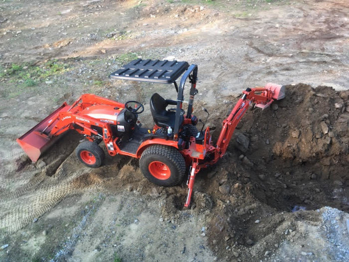 This tractor was purchased in part by earnings from HubPages.