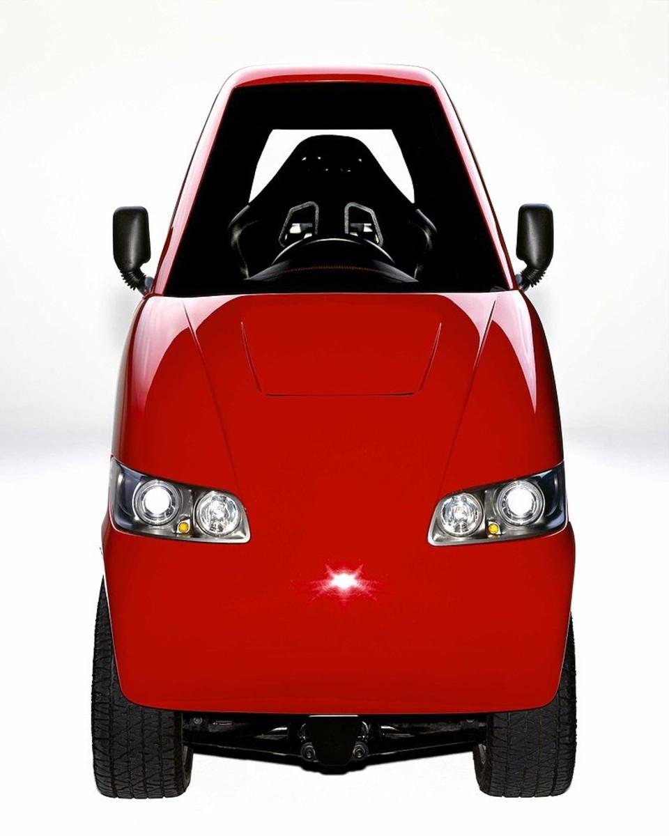 经公司总裁里克·伍德伯里允许使用的探戈T600通勤车前视图