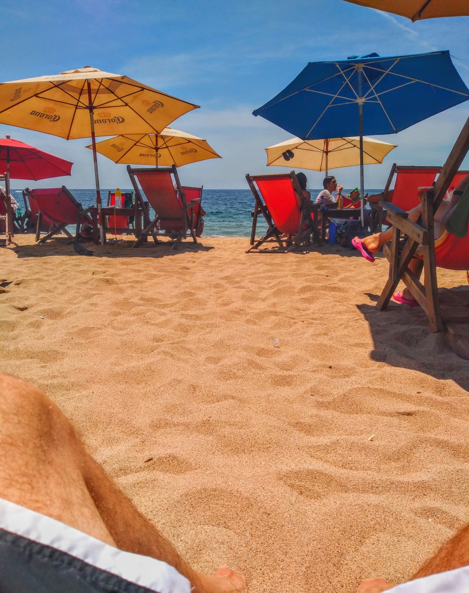 The beach. La playa.