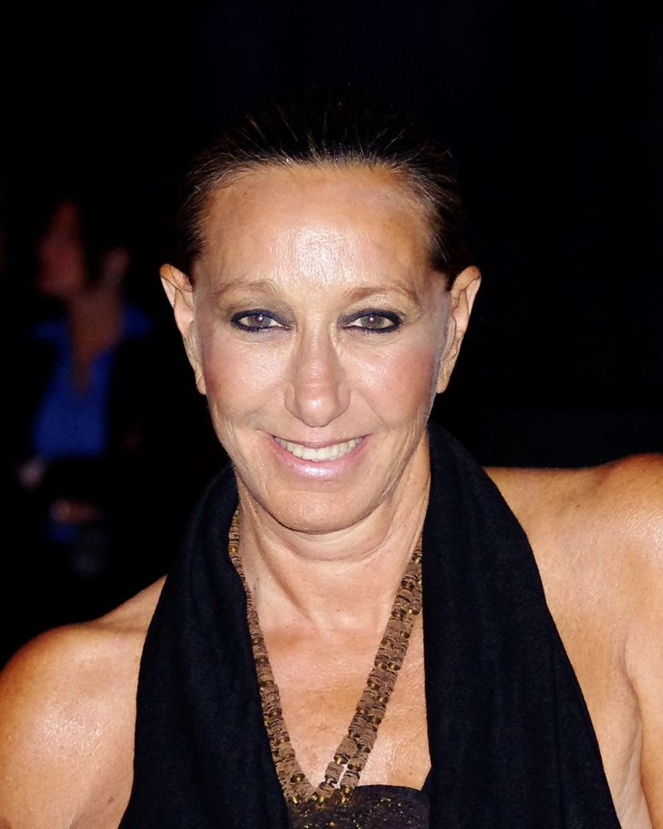 Donna Karan, founder of DKNY, is an example of a leader who uses a laissez-faire style, by allowing her designers freedom to create.