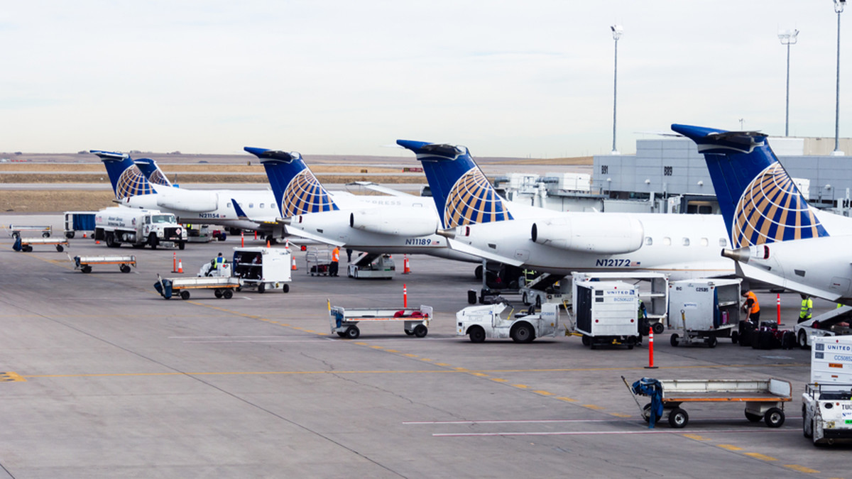Extra United Aircraft During Business Slowdown