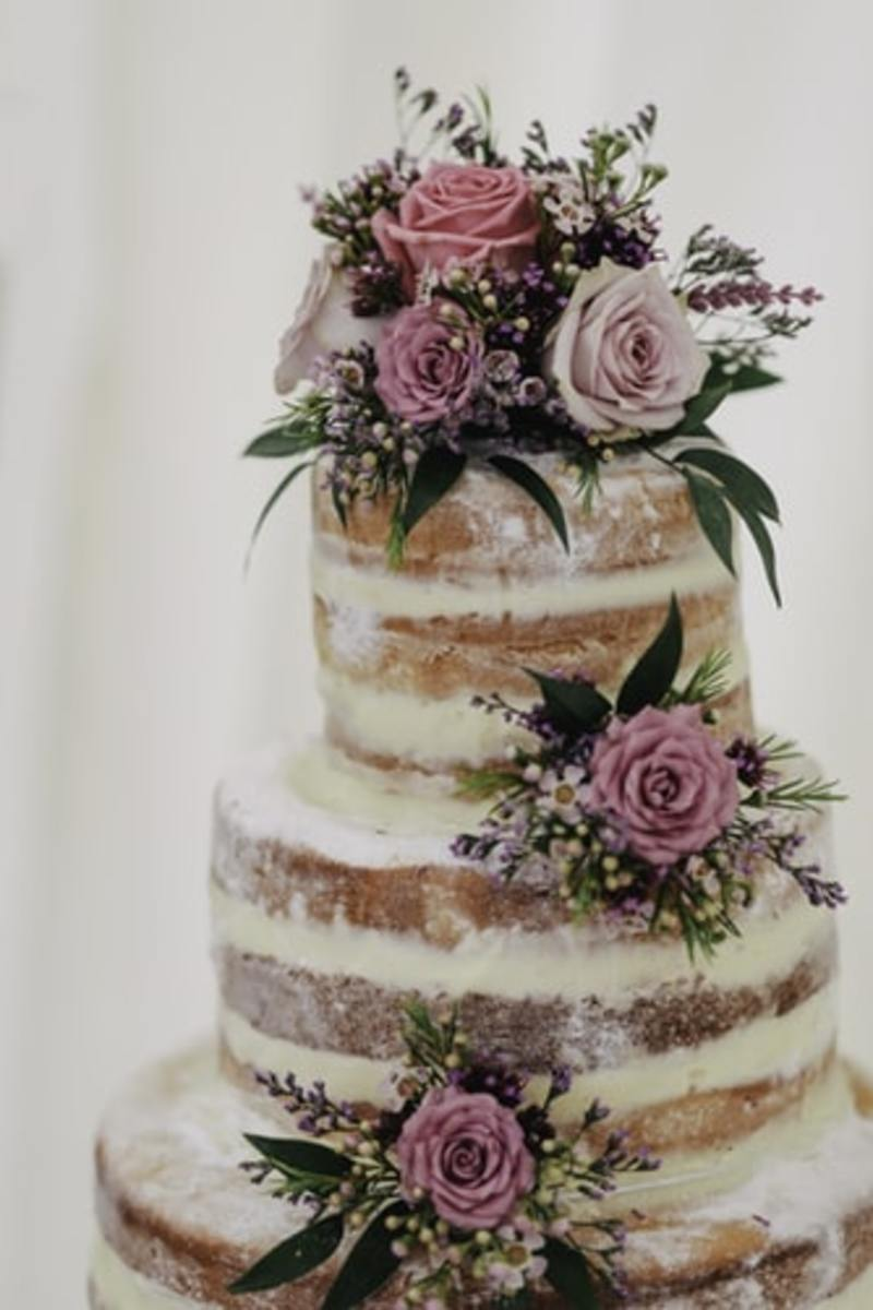 Did you know you can rent a wedding cake?