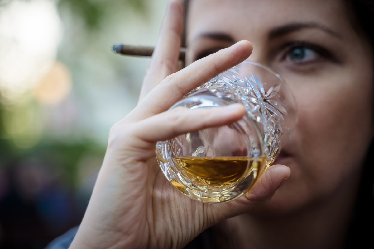 Smoking and drinking won't fly on HubPages