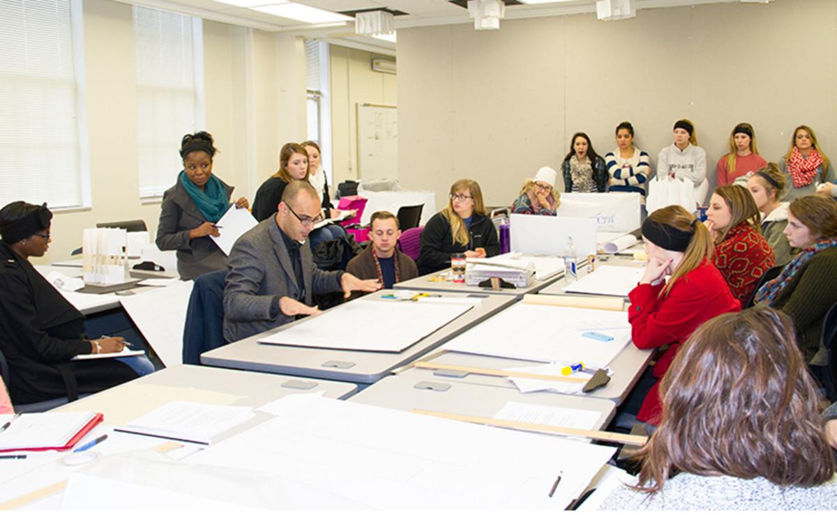 高校有几种不同类型的室内设计学位。