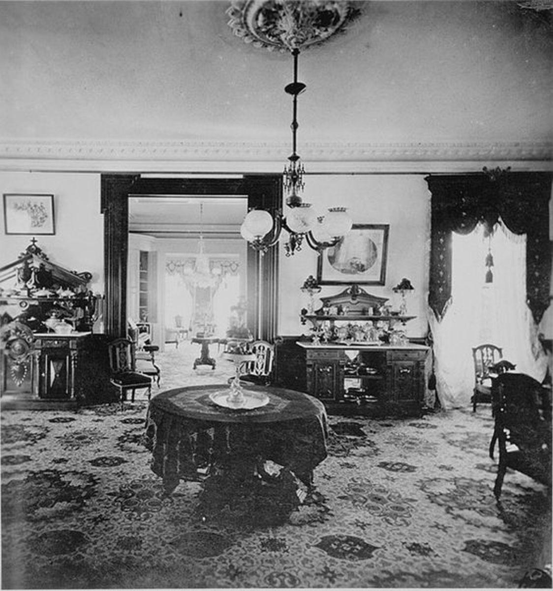 在工业革命期间有许多中产阶级和上层室内设计。