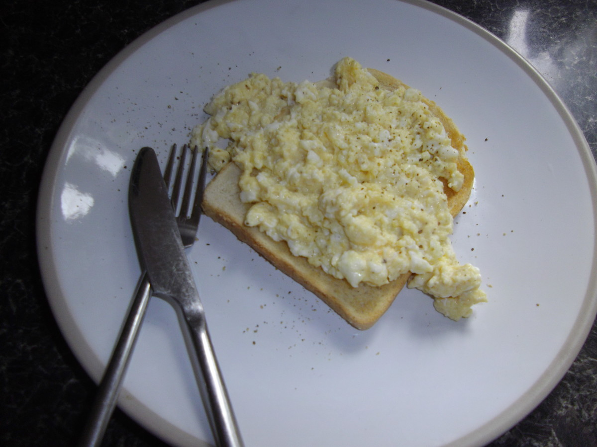 Scrambled eggs on toast.