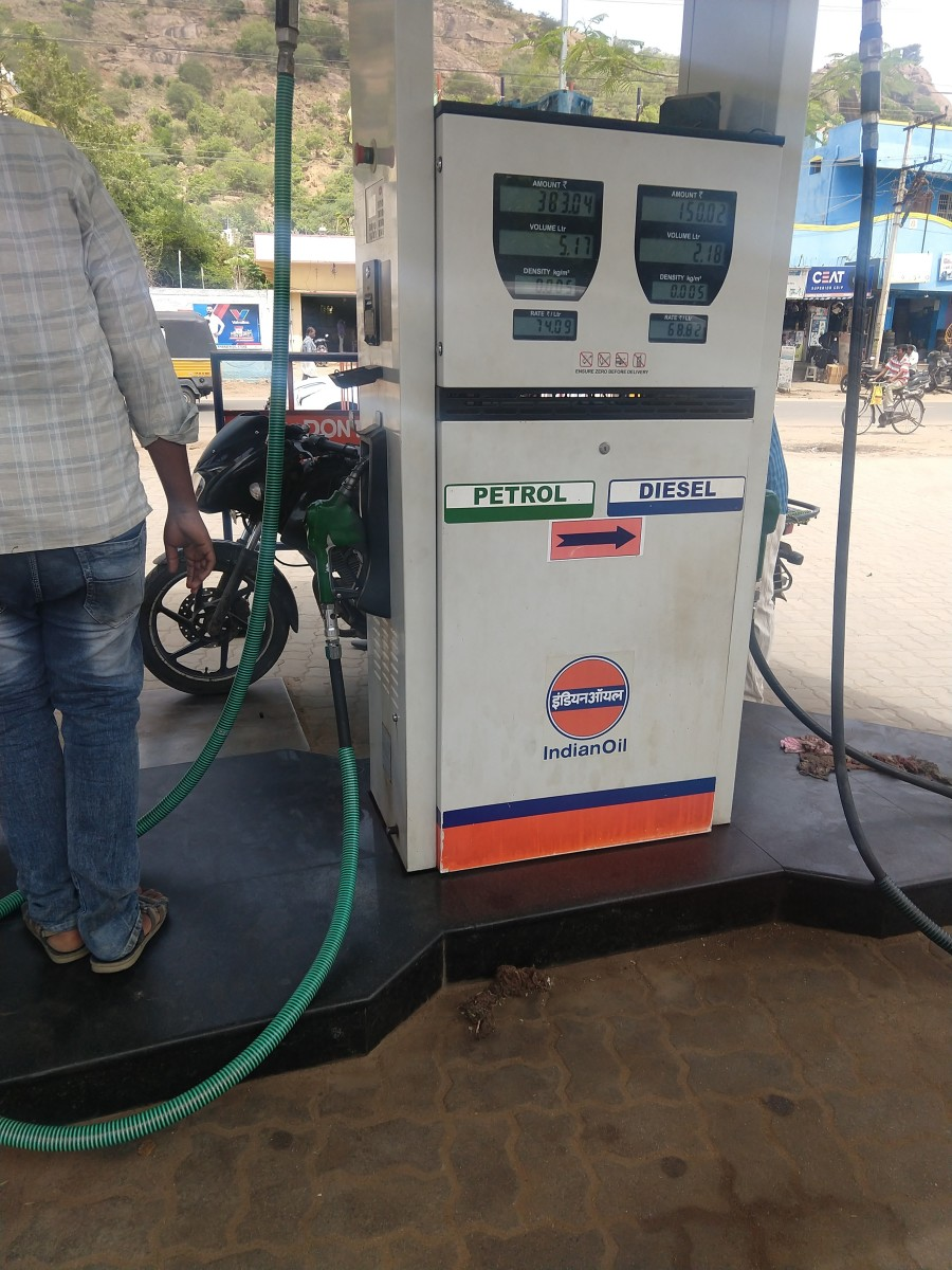 I recently visited the same fuel station and took this photo. They didn't try to scam me this time.