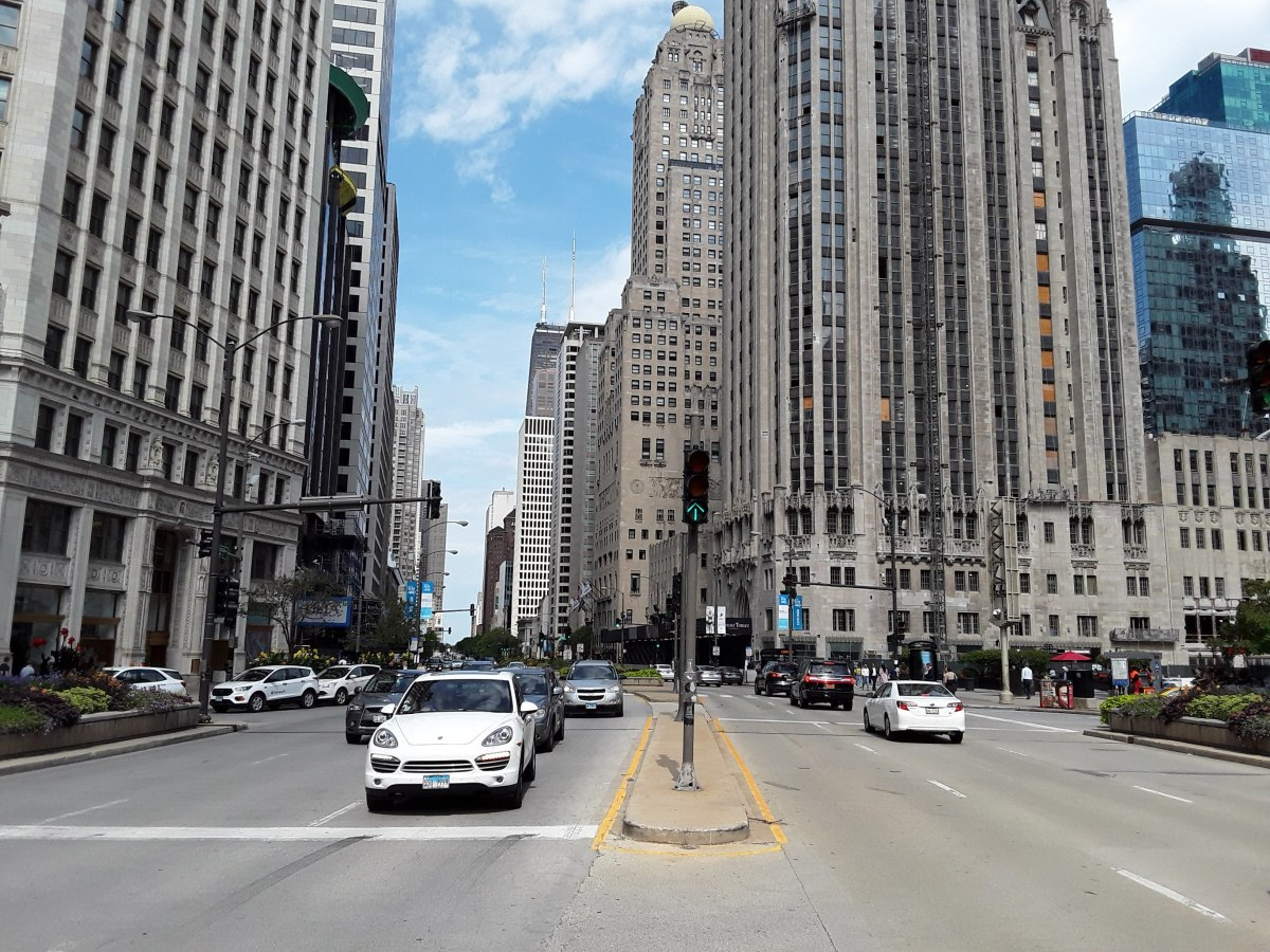 the-chicago-drivers-guide-to-rideshare-street-smarts-busy-boulevardsmichigan-ave