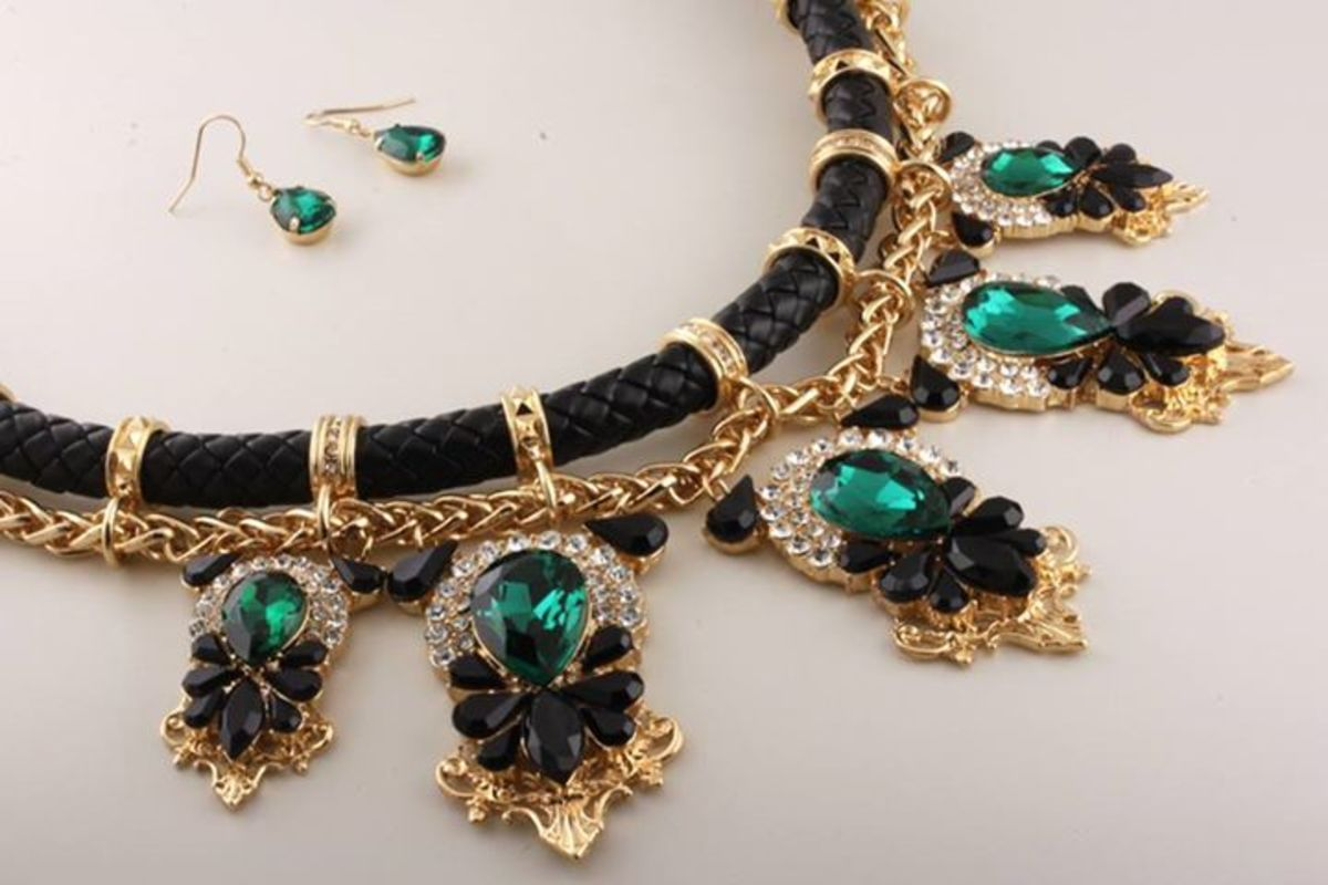 Well-chosen jewelry can show her you know her style and who she is.