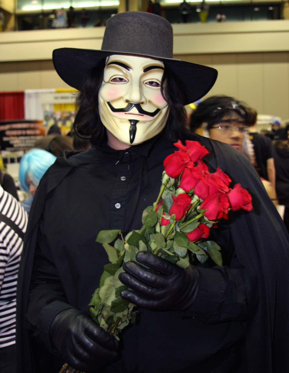 V wearing his Guy Fawkes mask
