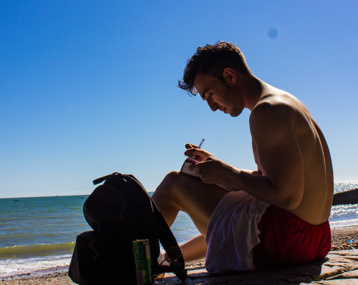 When you see a cute guy sitting alone on the beach, take a photo of him and see how he reacts. Unlike women, men love to be swooned at by strangers.