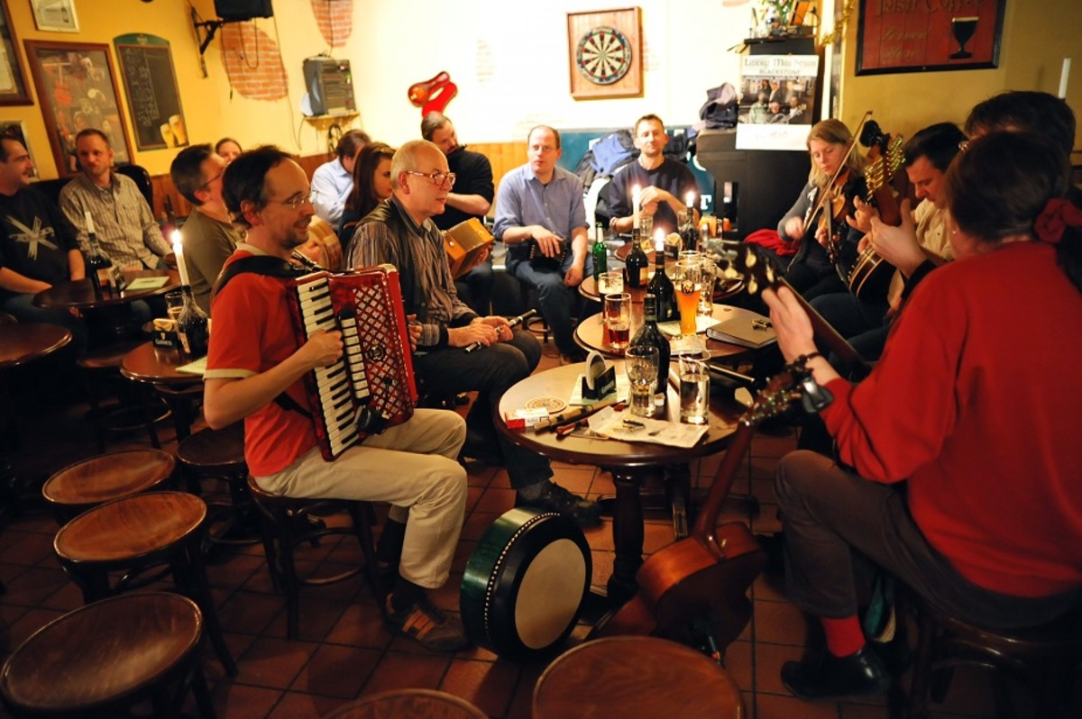 Irish Folk Session - The Old Dubliner