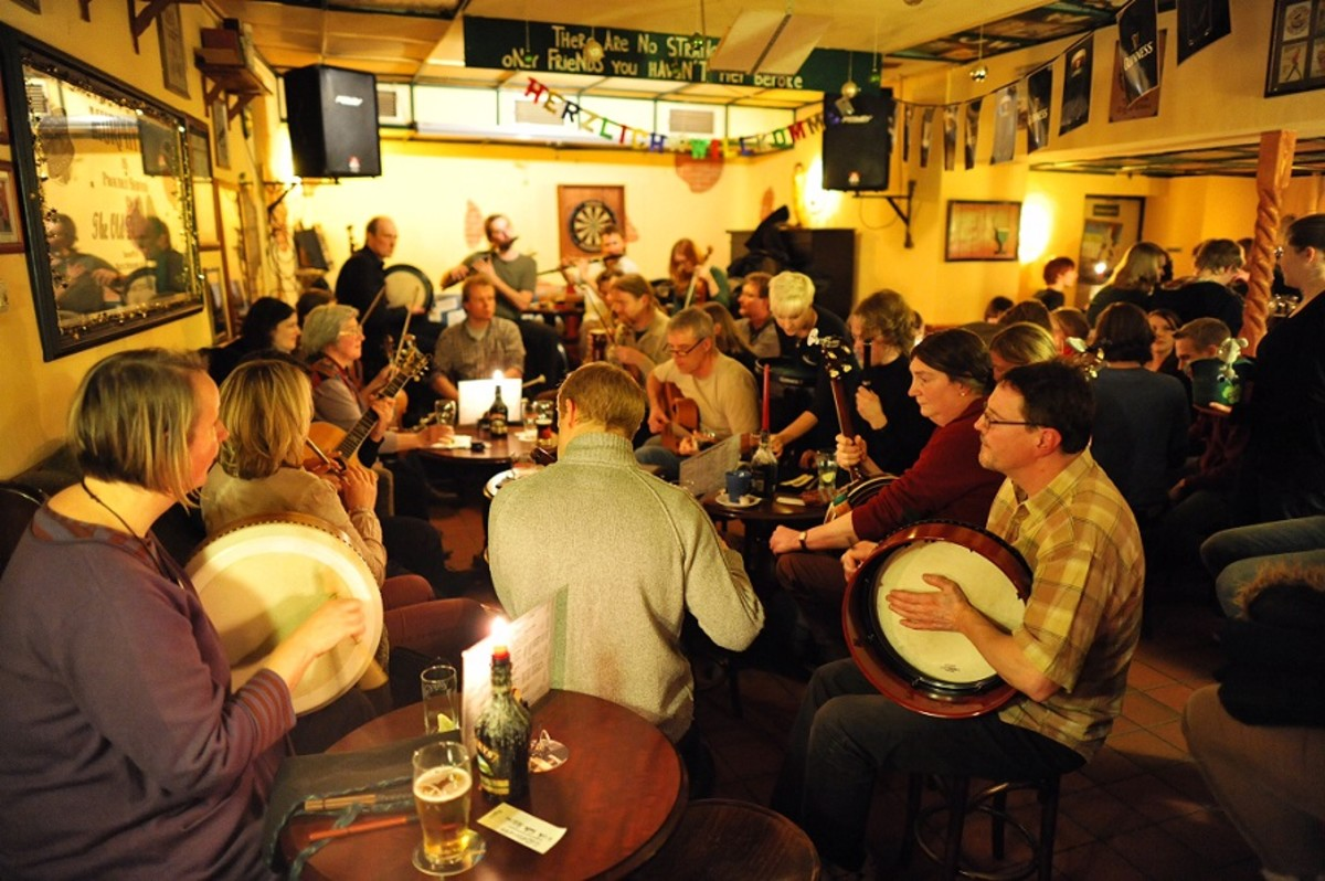 More Irish Folk Session music from The Old Dubliner.