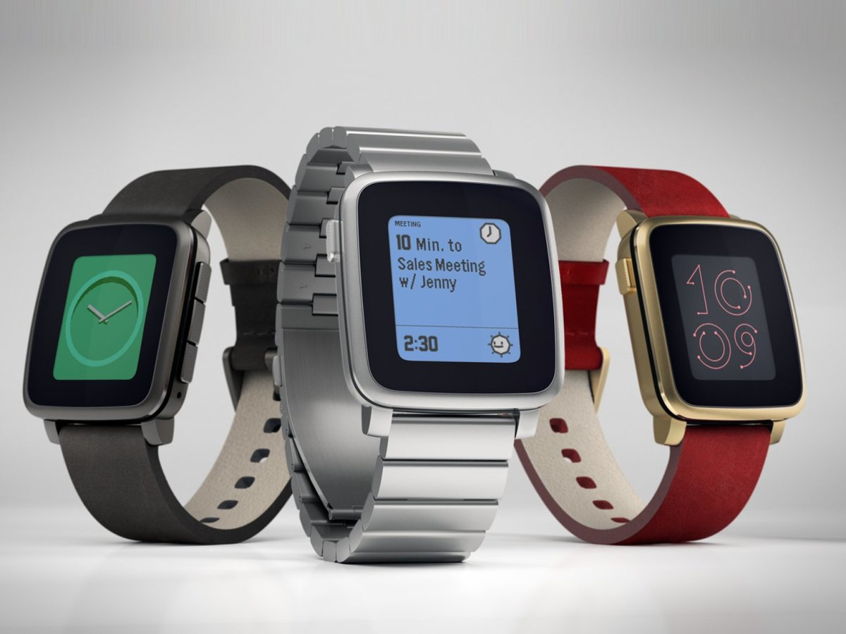 You don't need to charge this smart watch every night. Its battery lasts for up to 7 days.