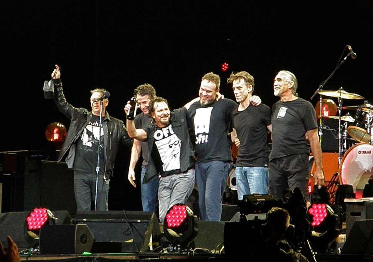 Pearl Jam in 2016