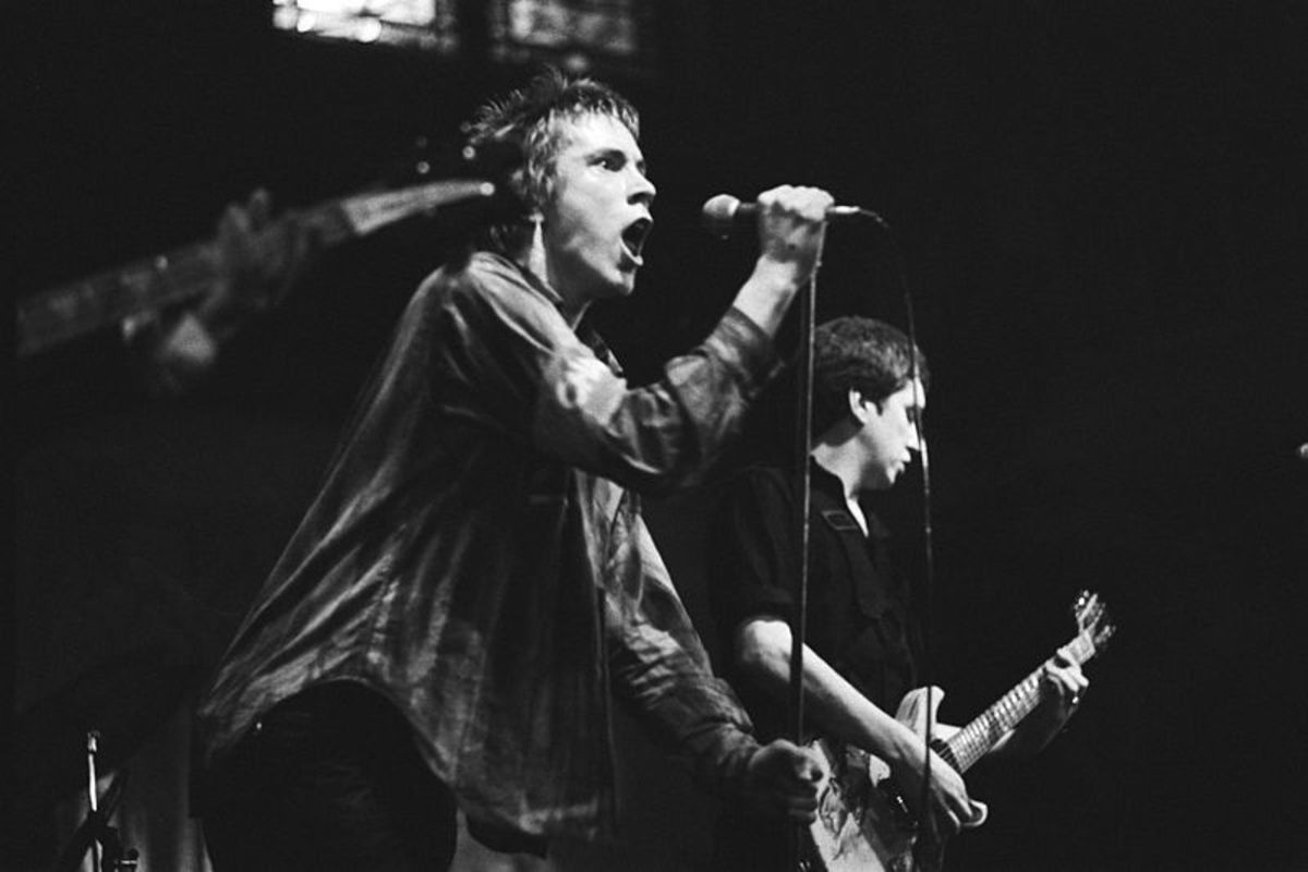 Johnny Rotten & Steve Jones during a 1977 concert in Amsterdam.