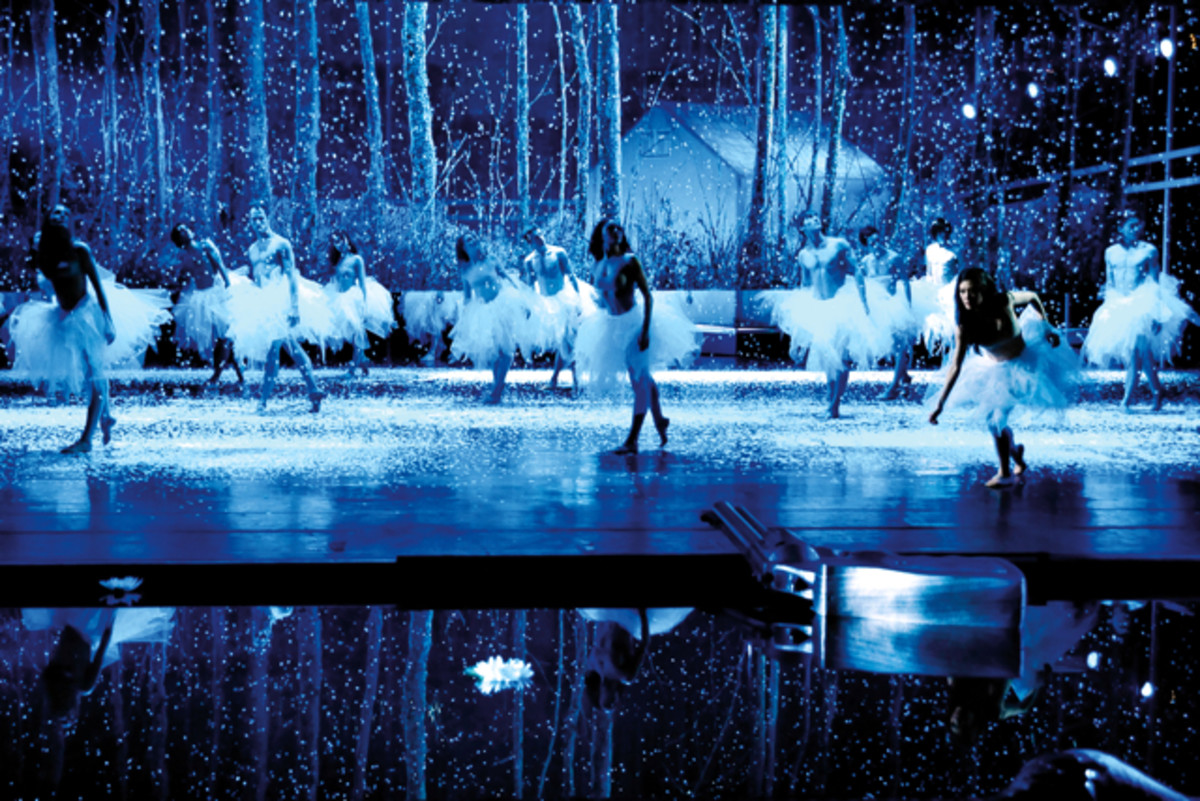 The Murder Ballads, music by Nick Cave, choreography by Mario Schröder, Leipzig ballet, with a water filled orchestra pit at the Leipzig Opera.