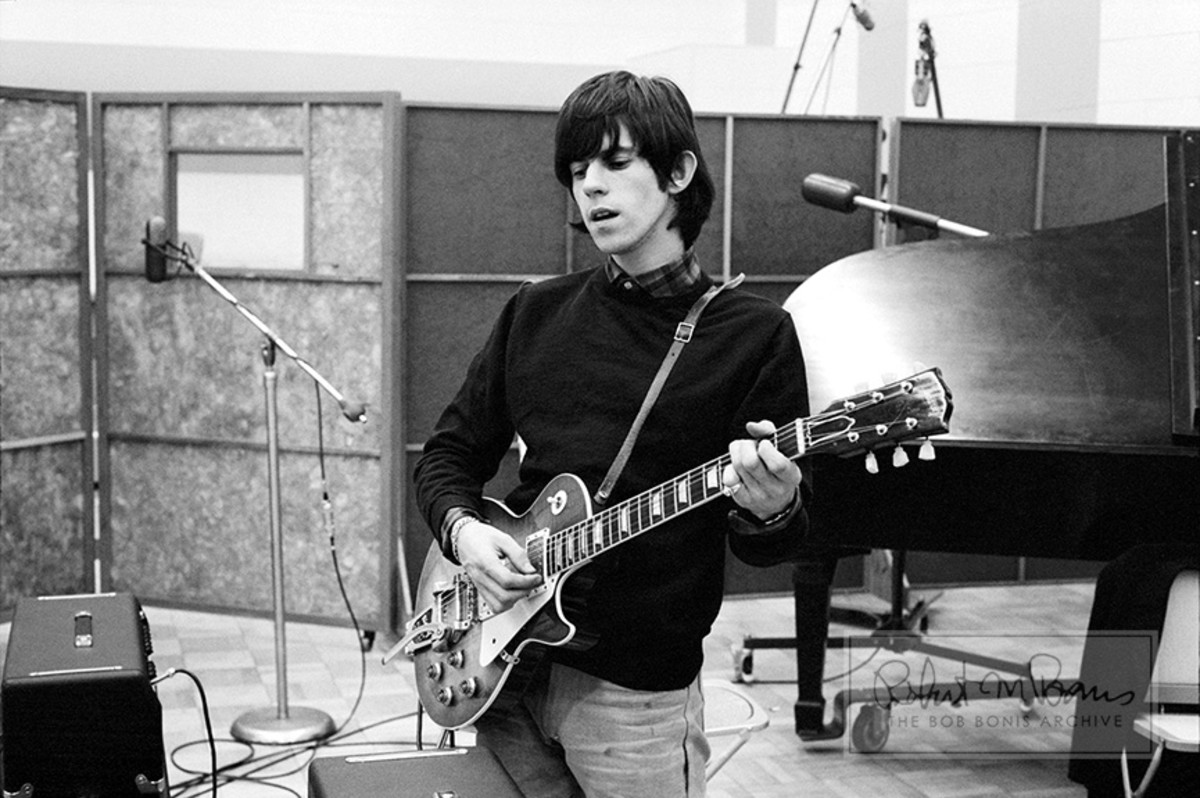 Keith Richards in 1965 with a Gibson Les Paul