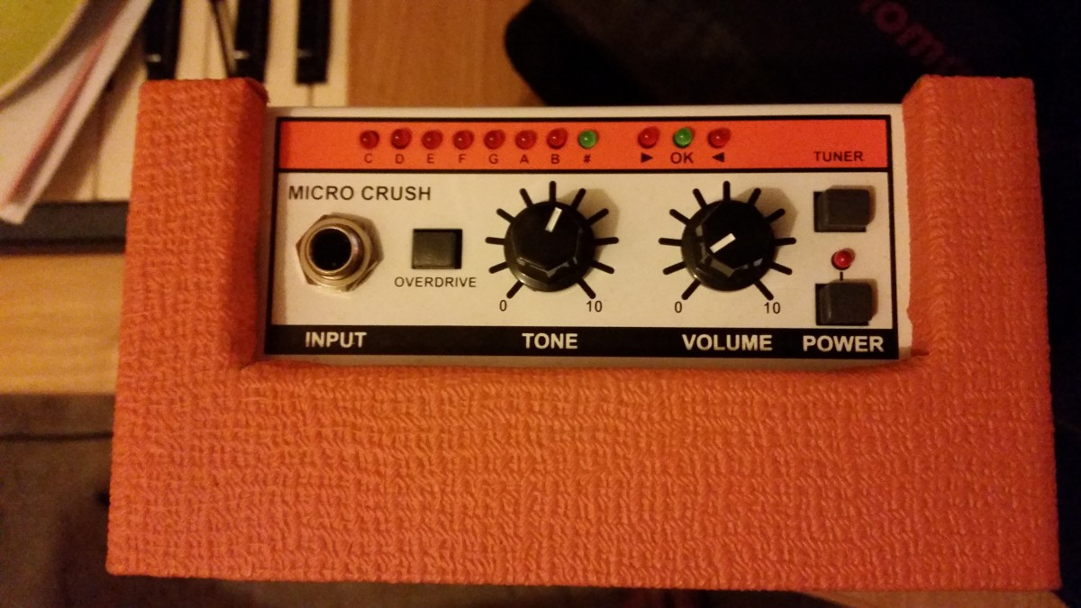 The sound of the Micro Crush can be shaped using the tone and volume dials, as well as the overdrive button.