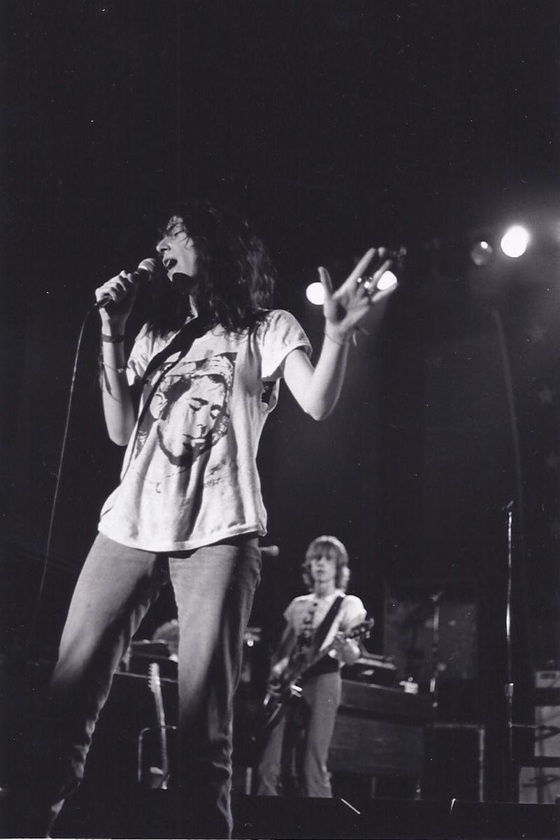 Patti Smith performing at Cornell University in 1986