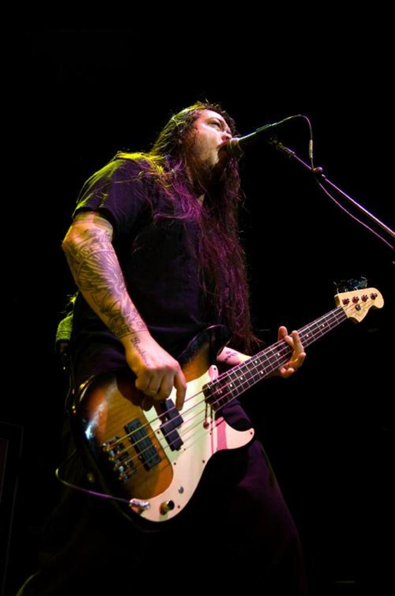 Chi Cheng onstage with Deftones. Chi unfortunately passed on April 13, 2013