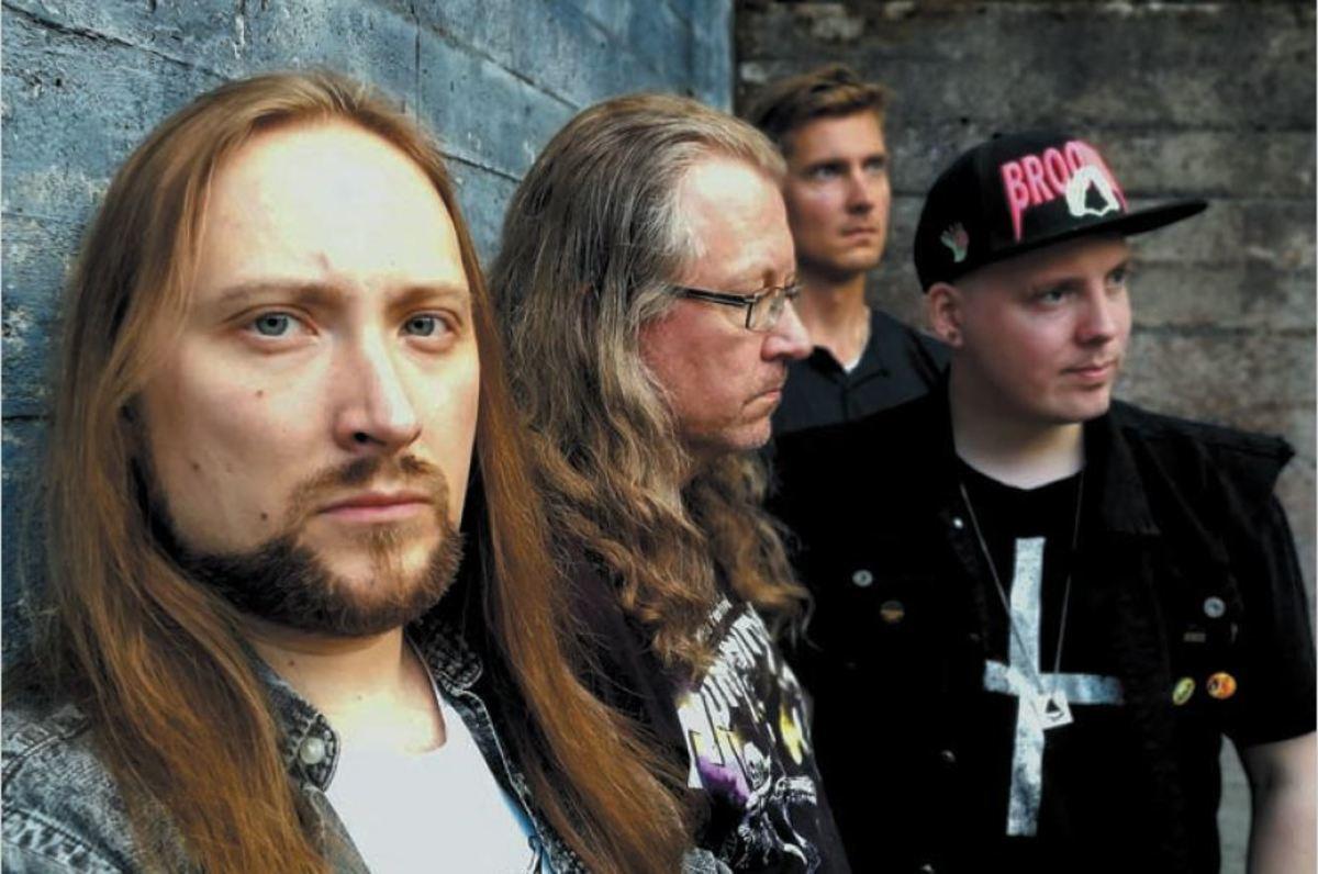 Masquerage, L-R: Kimmo Perämäki (vocals/guitar), Ossi Raiski (bass), Marko Ylä-Häkkinen (drums), Mika Maunus (keyboards)