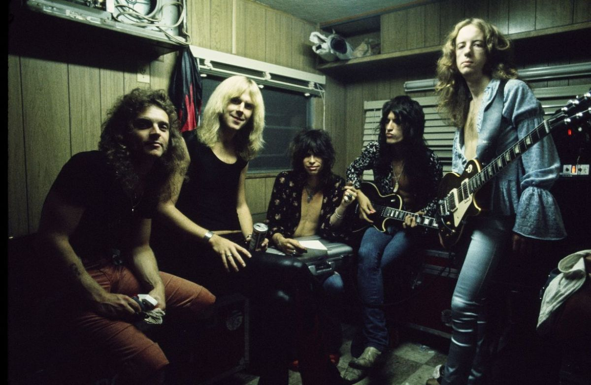 Joey Kramer, Tom Hamilton, Steven Tyler, Joe Perry, and Brad Whitford of Aerosmith.
