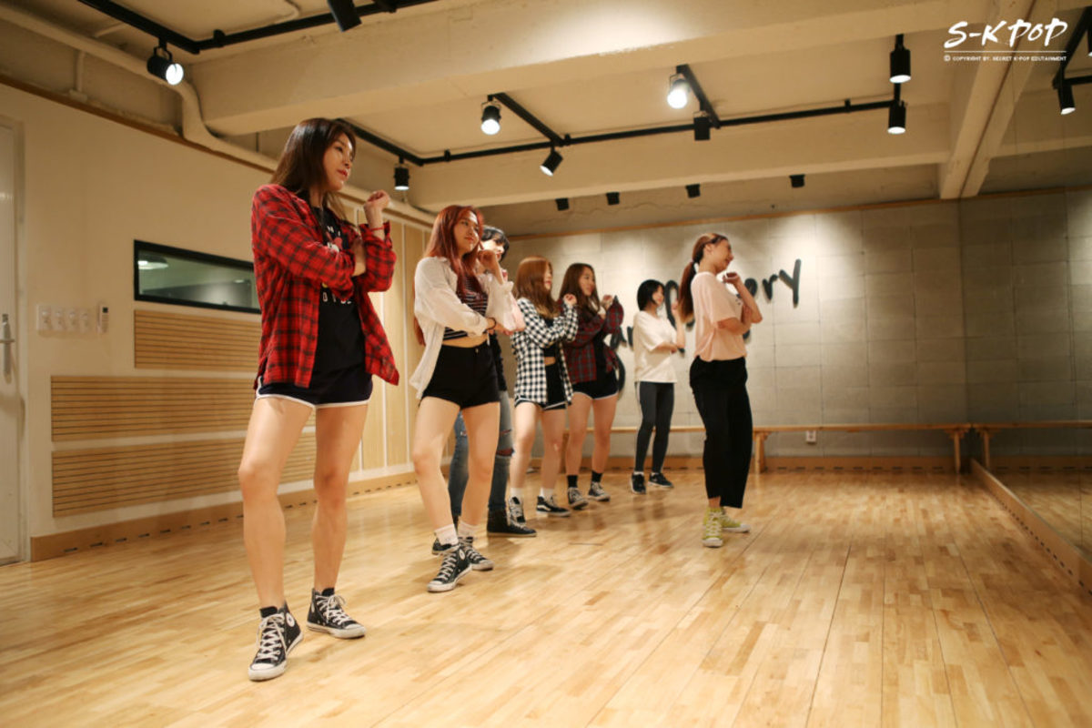 Hopefuls practice for a chance to become a member of a future K-Pop group.