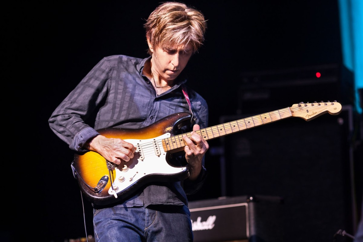 Eric Johnson is one of the most respected guitarist in the entire world.