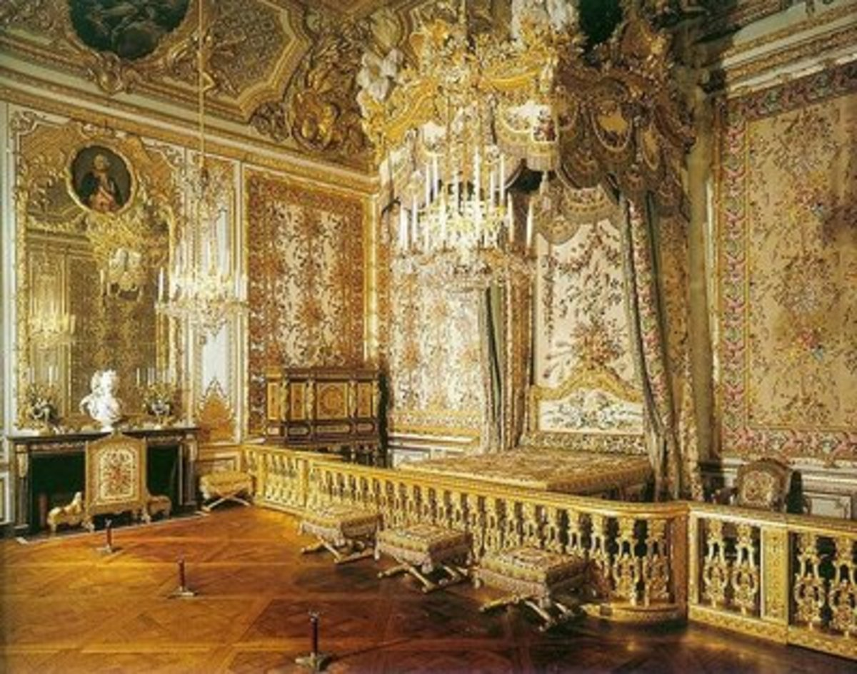 Formal and elaborate manners were required for life in the Royal Court.