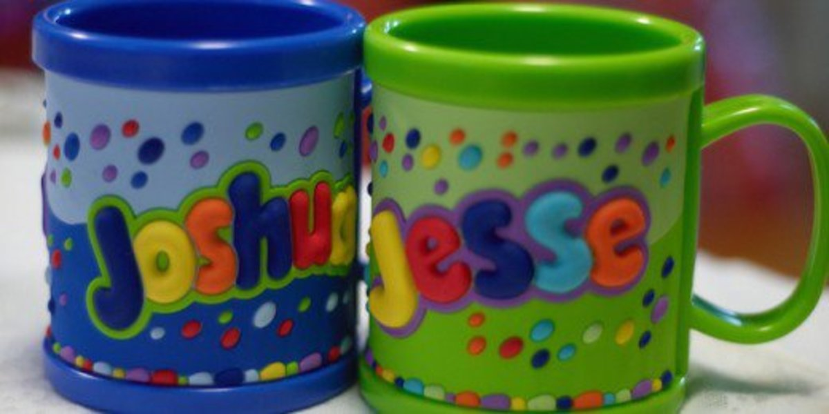 Customize mugs with your names or your pictures.
